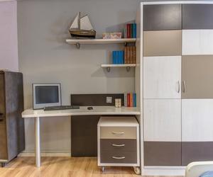 Muebles de dormitorio juvenil de madera maciza en Soria
