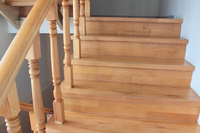 Escaleras: Servicios de Comser