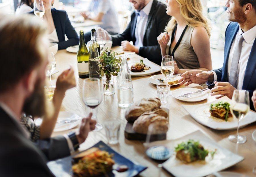 Las ventajas de las cenas de empresa