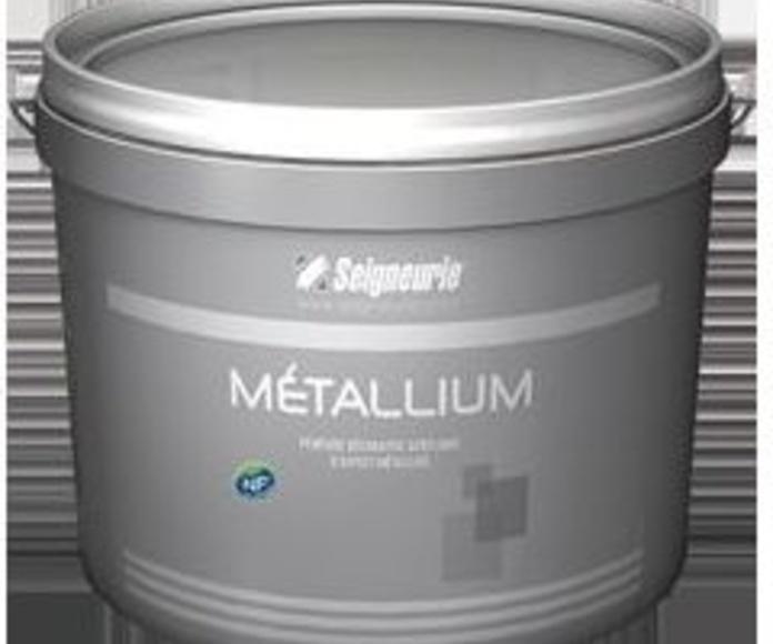 Plastico Metallium