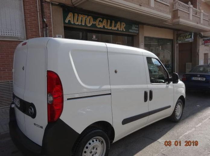 OPEL Combo Cargo 1.3 CDTI L1 H1 Normal 90 CV AÑO 2014 KMS. : VENTA DE VEHICULOS  de JUAN JOSE GALLAR MARTINEZ