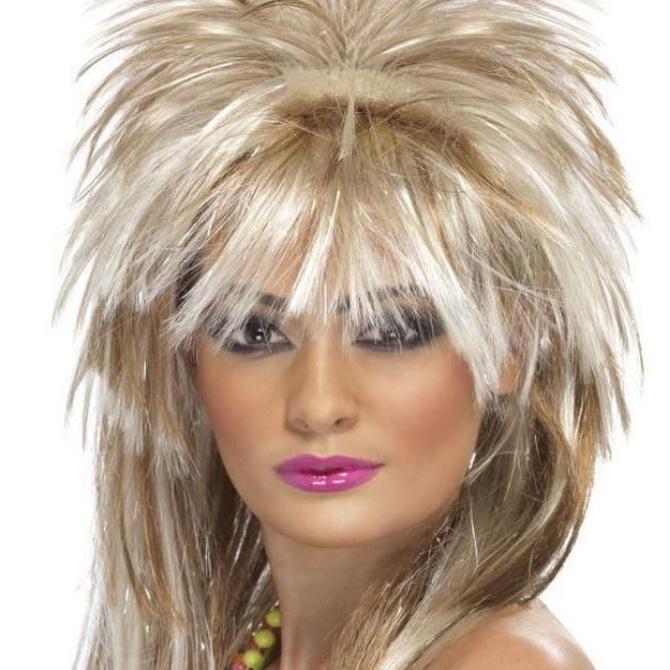 Completa tu disfraz con una peluca