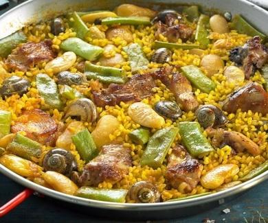 Para las paellas y los arroces en cazuela hay que comprar el arroz de grano redondo