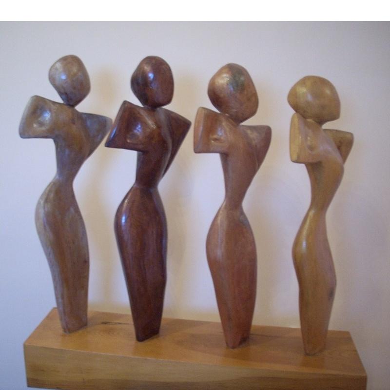 Pase de modelos: Esculturas de Antonia Dávalos