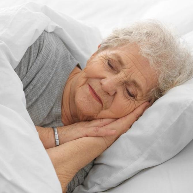 ¿Cómo tiene que ser el colchón de una persona mayor?