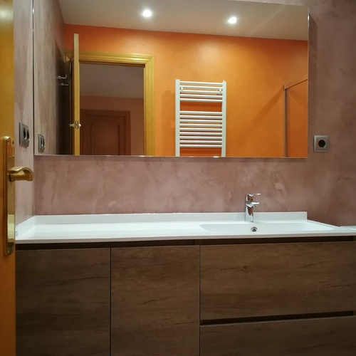 Instalación de muebles y saneamientos en baños