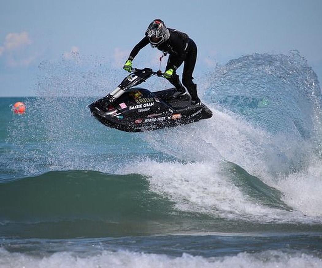 ¿Conoces las competiciones de motos de agua?