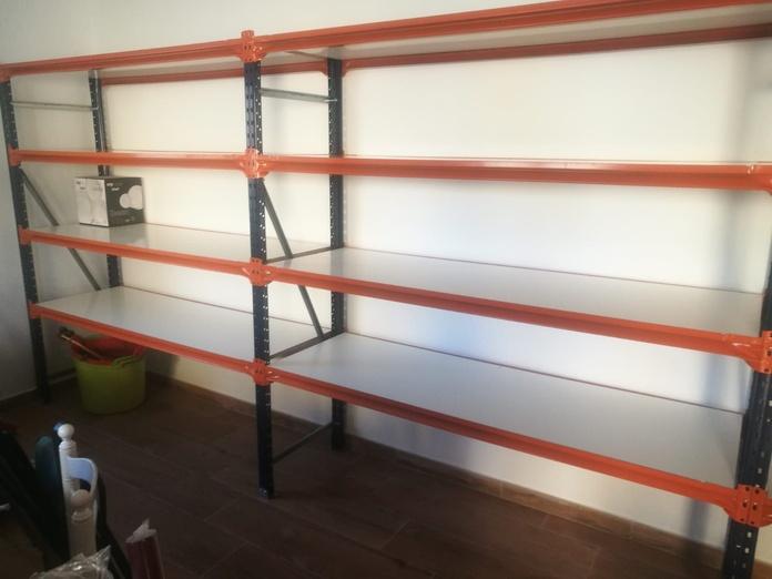 Sistemas de almacenaje y exposición: Productos de EQUIPAMIENTO COMERCIAL RLB