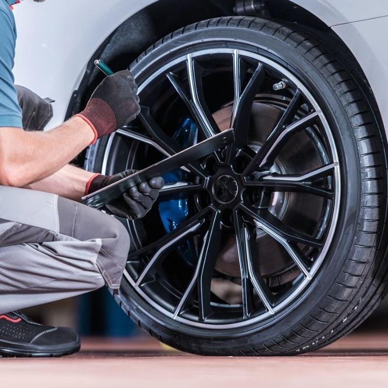 Servicio de neumáticos: Servicios de Auto - Rex Beniparrell