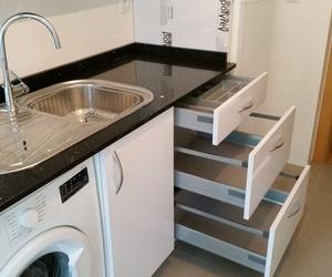 Mobiliario de baño y cocina