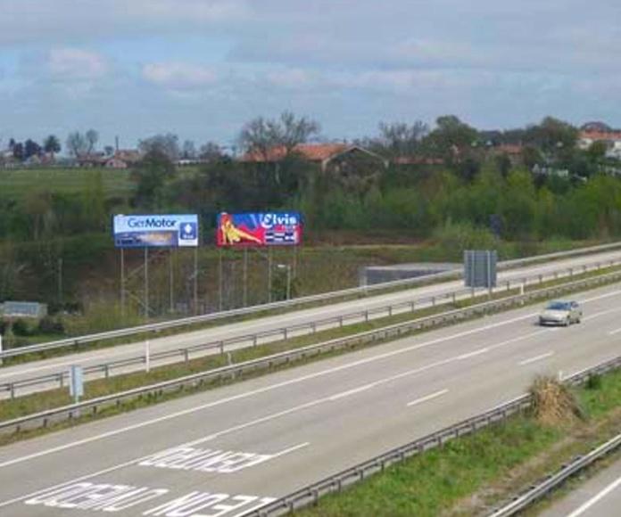 vallas elevadas, visibles a gran distancia.  -  Asturias
