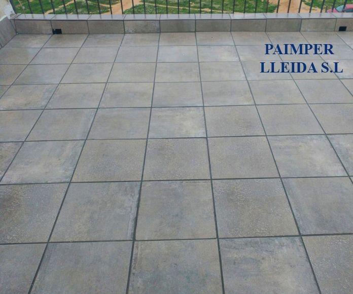 Terraza finalizada en color gris