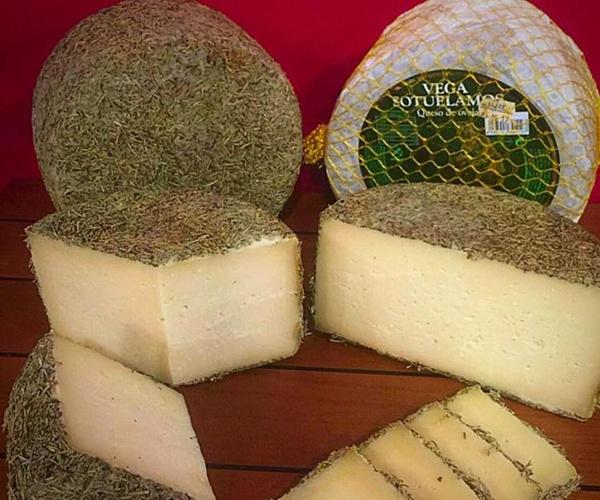 Venta de quesos con diferente denominación de origen