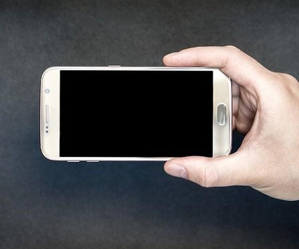 Por qué es tan caro reparar una pantalla de móvil