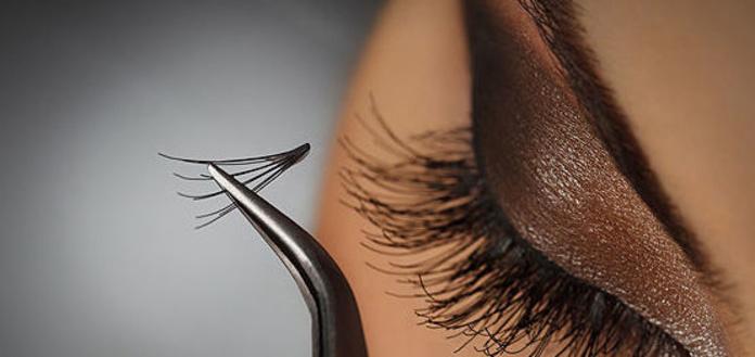 Extensiones de pestañas: Tratamientos de belleza de Yani's Centro de Estética
