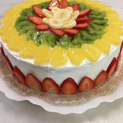 tarta de fruta con nata