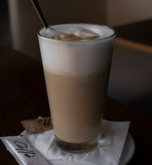 Café Latte: Productos de Kin+Ilk Café