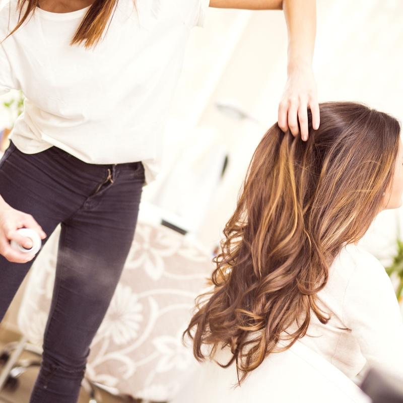 Lavado y peinado: Servicios y tratamientos de Ameli Style Salón de Belleza