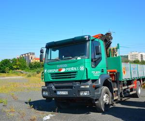 Galería de Alquiler de camiones con grúa en Barakaldo | Camiones con Grúas Peña
