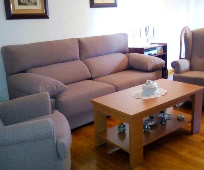 Composición compuesta por sofá Garrampa 3 plazas + 2 sillones del abuelo + mesa de centro elevable