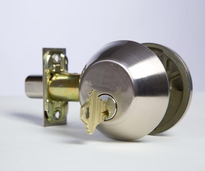 Cerrajería y herrajes: Productos de Iturralde Industrigaiak, S.L.