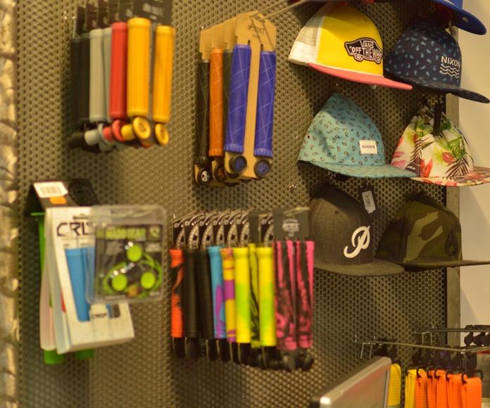 Complementos: Nuestra Tienda de Antidot Skate Shop