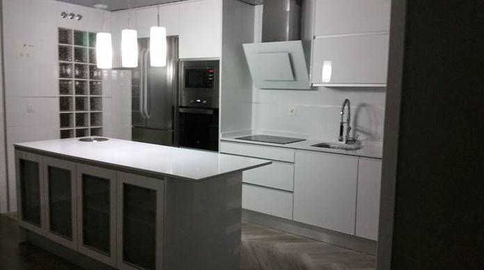 muebles de cocina: Servicios de Estudios y Proyectos de Cocina Moderna