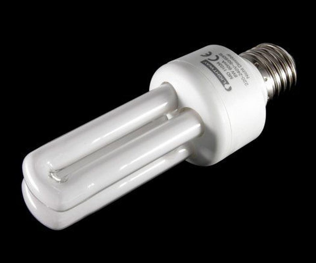 La peligrosidad de las bombillas fluorescentes compactas (CFL)