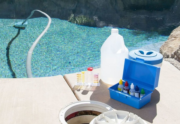 Empresa de limpieza y mantenimiento de piscinas en Oviedo