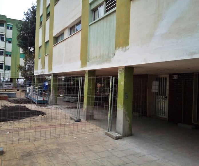 Instalación de andamios para rehabilitación de edificio