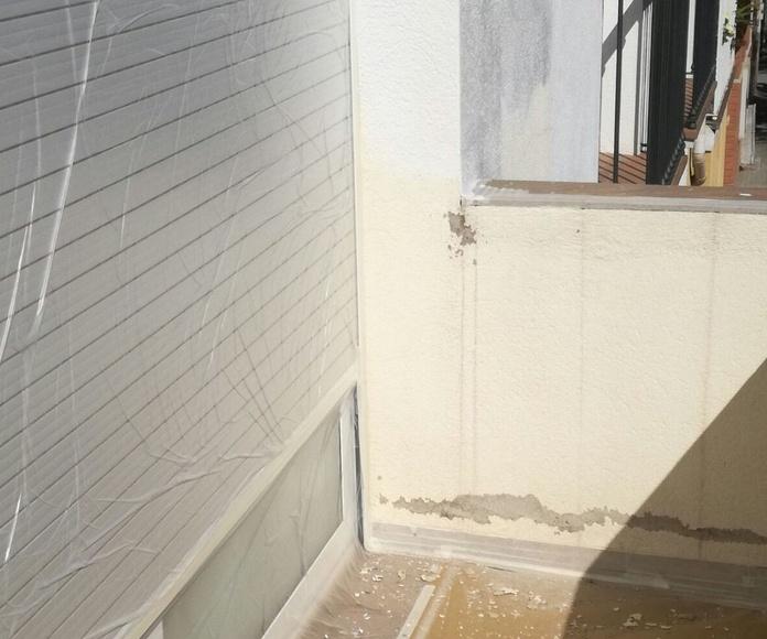 Saneado del soporte,mediante rascado zonas mal adheridas.