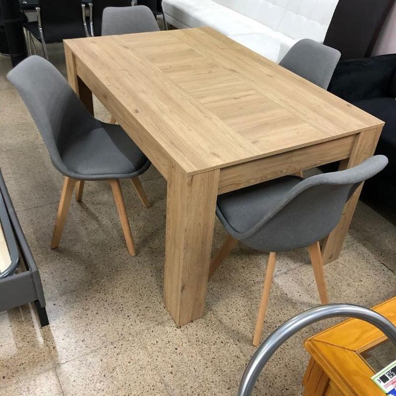 Mesa madera y 4 sillas grises: Productos de Remar Castellón