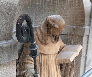 Instalación de redes y pinchos para anti-aves