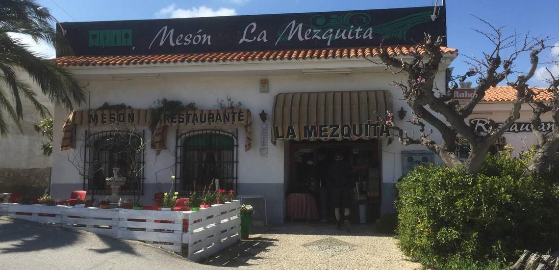 Cocina casera con platos de cuchara en El Valle de Guadalest