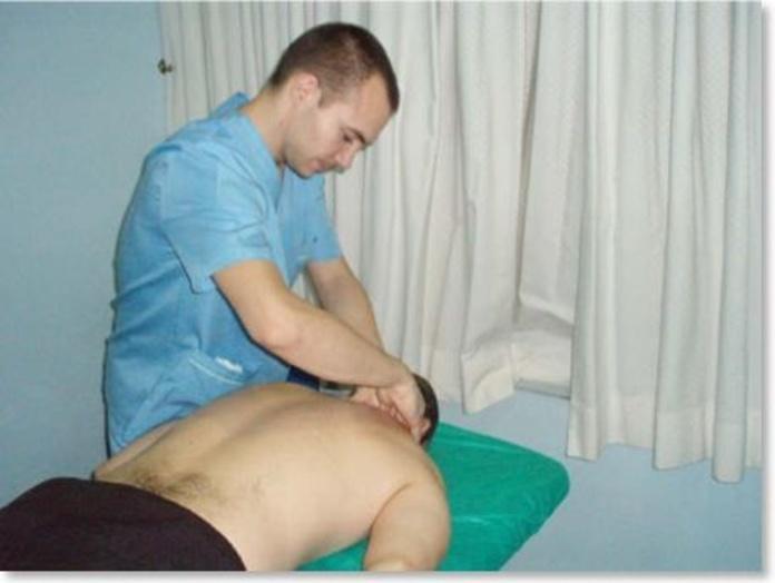 TRATAMIENTOS DE FISIOTERAPIA: Servicios de Axis Clínica De Fisioterapia