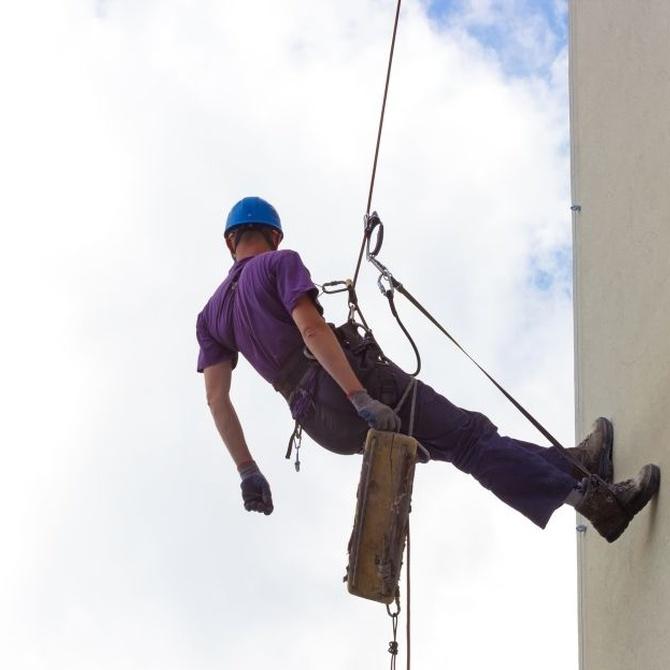 La seguridad en los trabajos verticales: El arnés