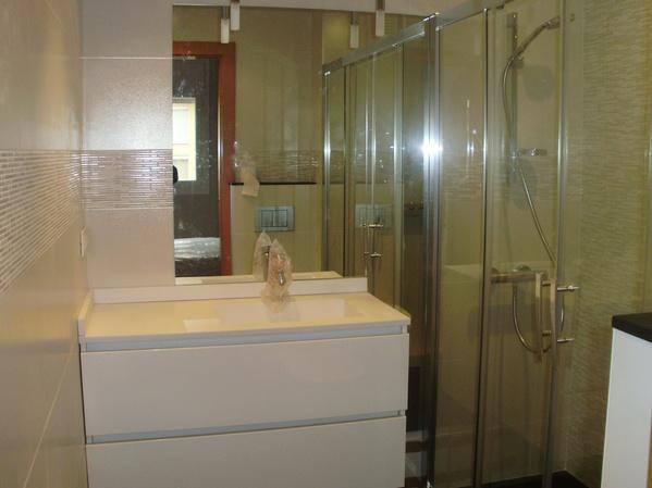 Colocación de mampara en ducha