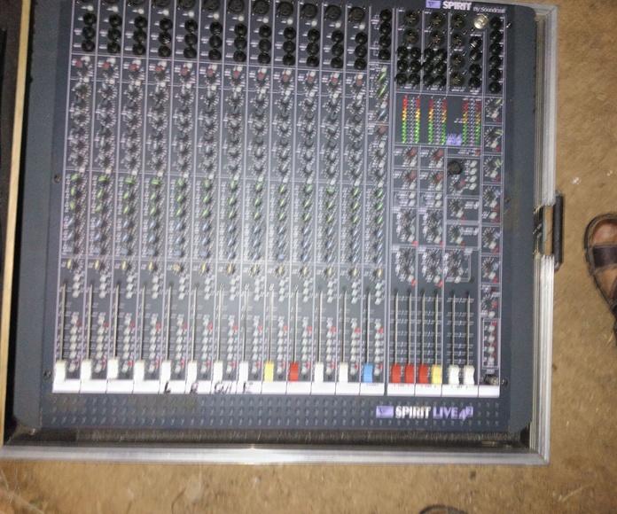Mesas de directo: Servicios de JCL Alquiler de sonido