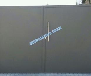 Puerta Abatible de chapa lisa