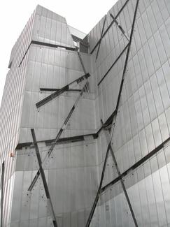 Museo Judio de Libenskind en Berlín: Un edificio que cuenta una historia