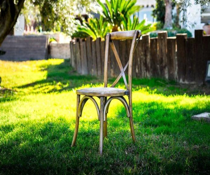 Silla Cross Back roble: Alquiler de Mantelería & Menaje