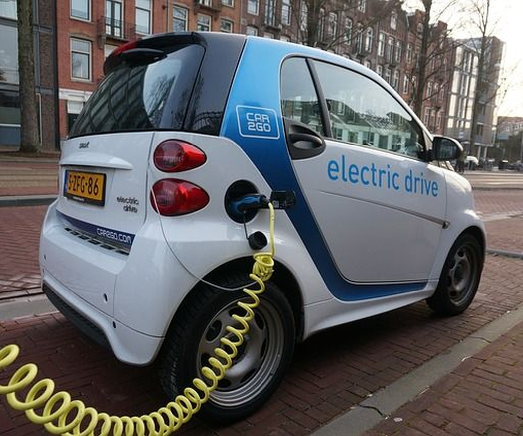 Las ciudades españolas con más coches eléctricos