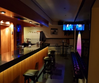 Cervezas y copas: Servicios de Akhes Bar de Copas y Coktelería desde 1988