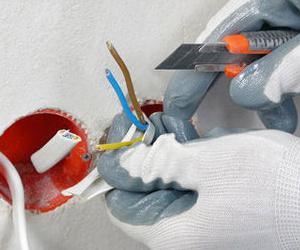 Reparaciones y mantenimientos eléctricos