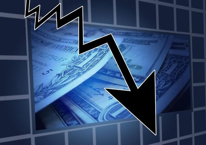 La gasolina y los alimentos hacen caer los precios un 0,8%