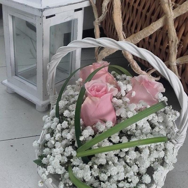Centros y cestas: Servicios de Floristería Elena
