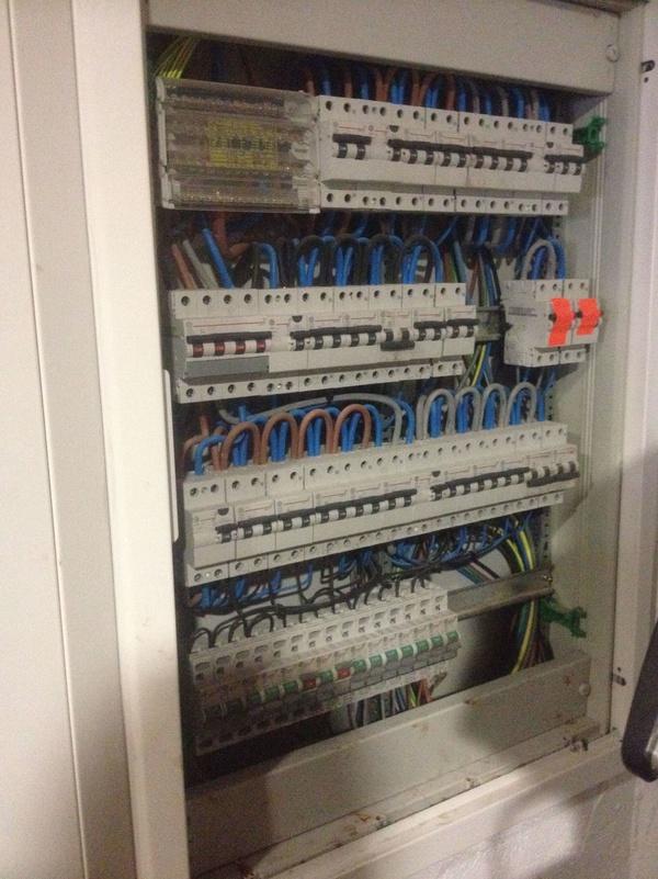 Cableado cuadro de mando y protección: Servicios de Electricidad Buades Fercres