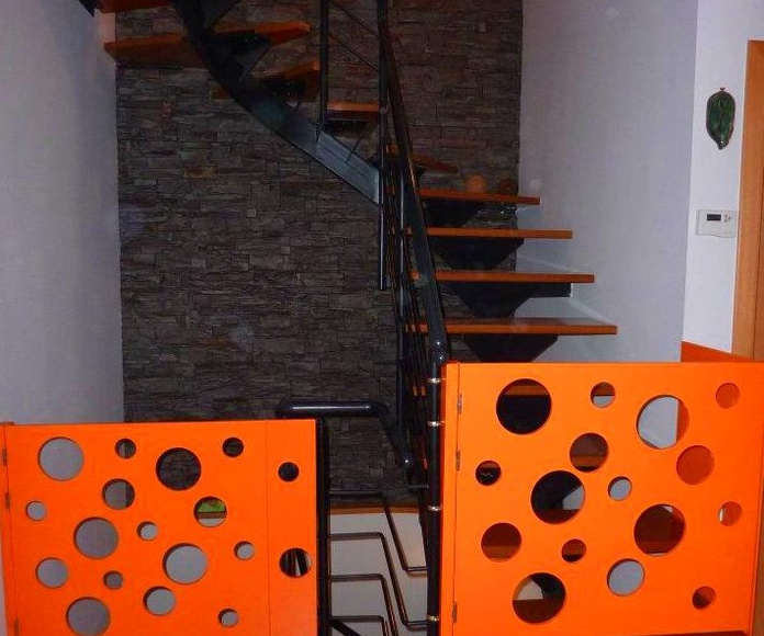 Escaleras, barandas y protecciones: Catálogo de Fusteria de Castellví, S.L.