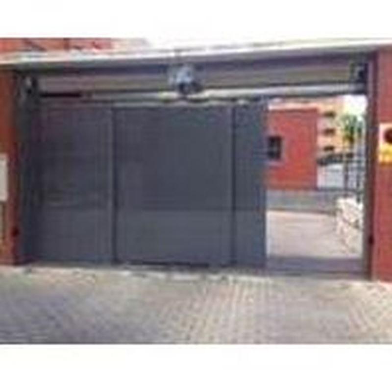 Puertas correderas: Estilos de puertas de MAFA, S.L.