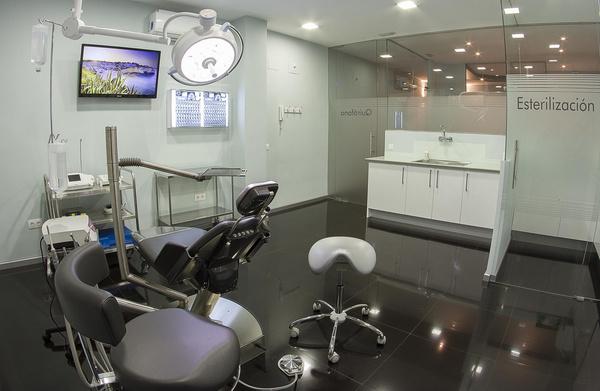 Dentistas para alérgicos al látex en Hortaleza, Madrid, baratos en MAG Clínica Estético Dental